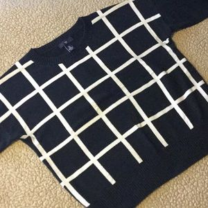 GAP black and white grid sweater